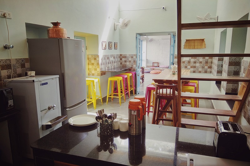 Jaipur Jantar Hostel community-kitchen