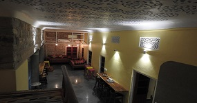 Jaipur Jantar Hostel hall